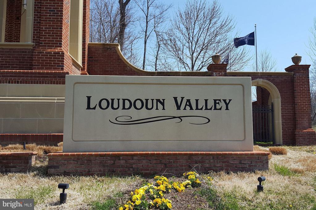 Welcome to Loudoun Valley! - 43213 THOROUGHFARE GAP TER, ASHBURN