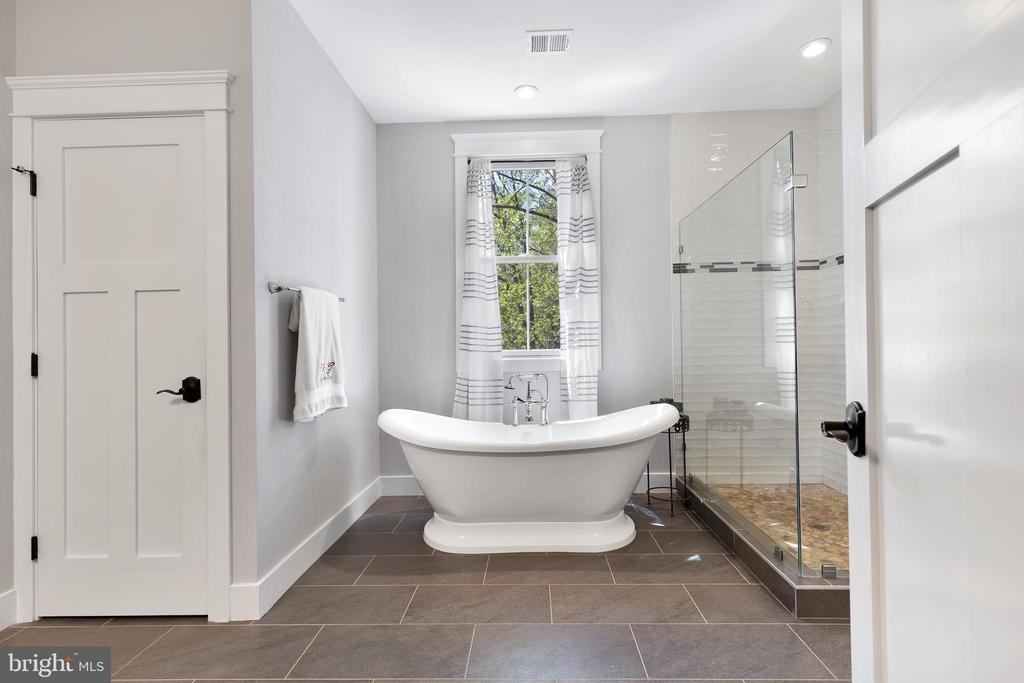 Upper Level Primary  Bedroom Bathroom - 12329 PURCELL RD, MANASSAS