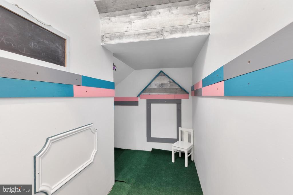 Basement Storage and Play Area - 12329 PURCELL RD, MANASSAS
