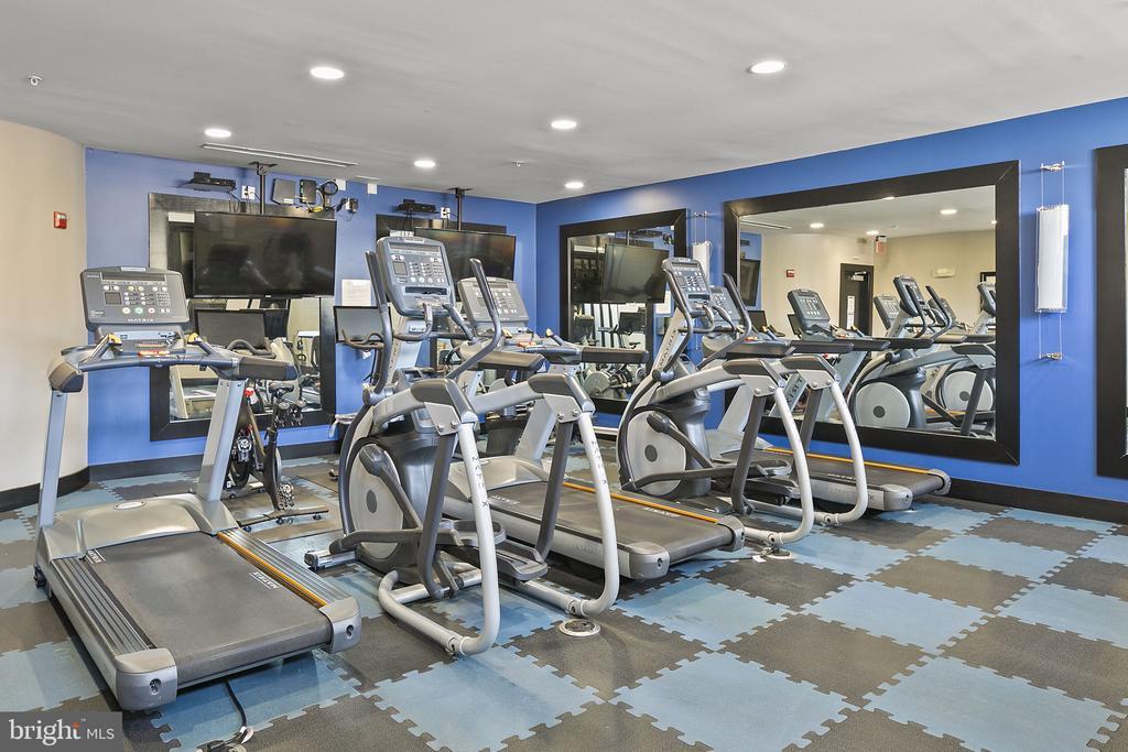 24 hour fitness center - 1800 WILSON BLVD #128, ARLINGTON