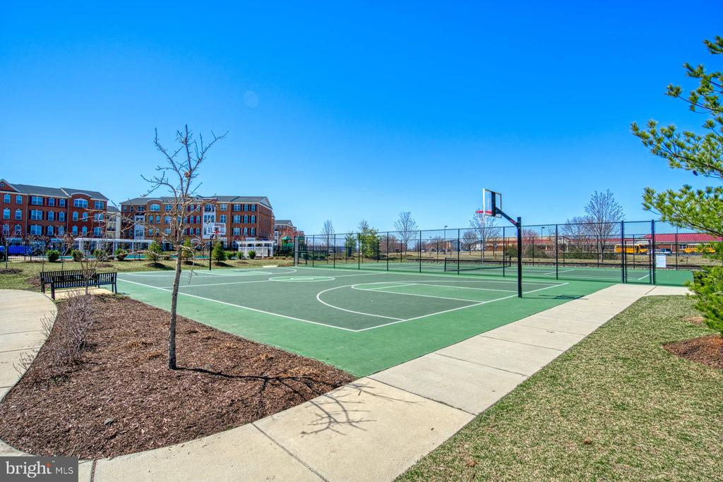 Fabulous Outdoor Basketball Courts - 43015 CLARKS MILL TER, ASHBURN