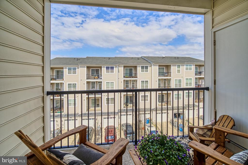 Enjoy Morning Coffee on Your Second Balcony - 43015 CLARKS MILL TER, ASHBURN