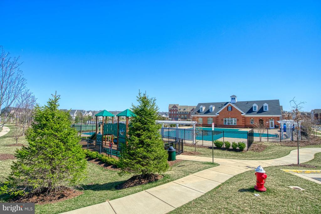 There are Walking Trails Throughout the Community - 43015 CLARKS MILL TER, ASHBURN