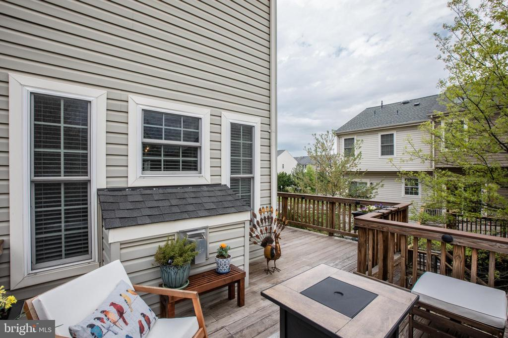 Wrap Around Deck with Built-In Lighting! - 8921 TAPPEN MILL WAY, MANASSAS