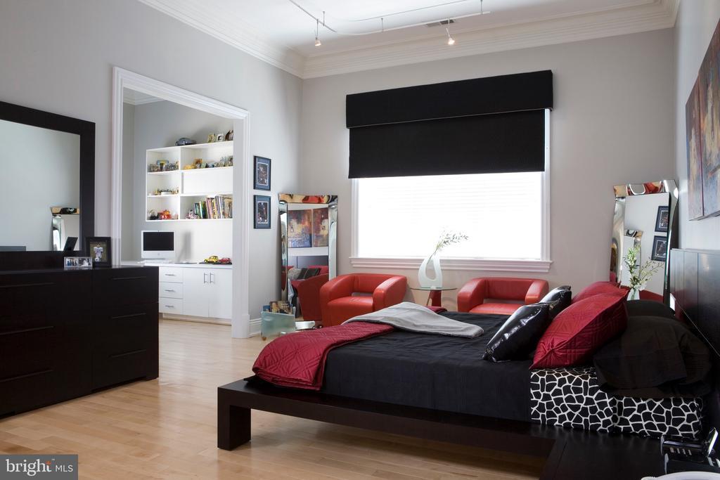 Secondary Bedroom - 9300 RIVER RD, POTOMAC