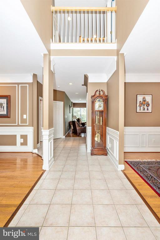Foyer - 6953 INVERNESS CT, NEW MARKET