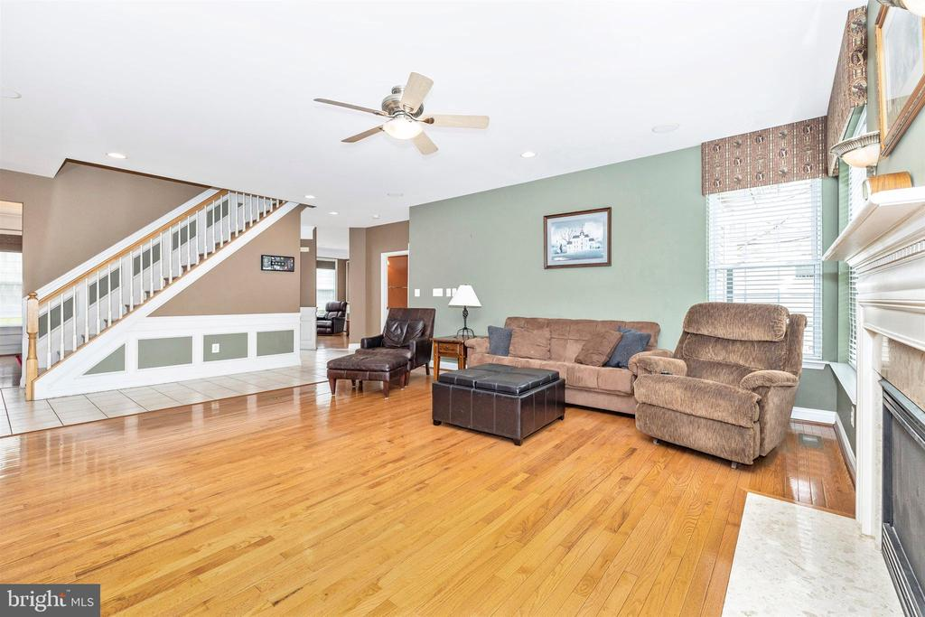 Family Room - 6953 INVERNESS CT, NEW MARKET