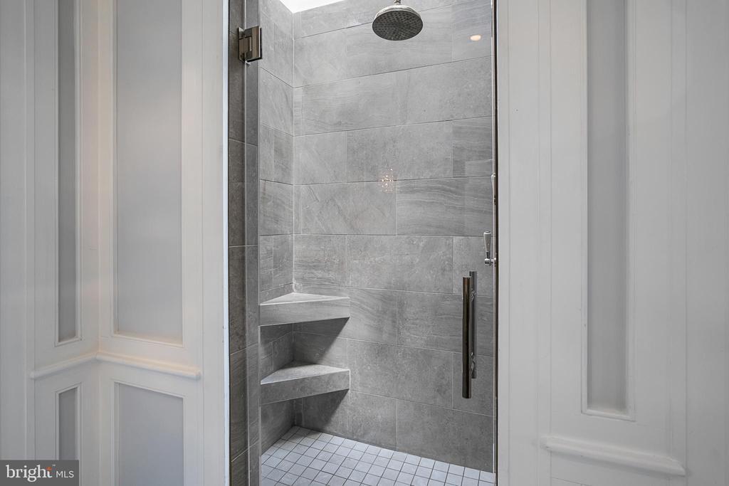 Primary Bathroom - 2019 Q ST NW, WASHINGTON