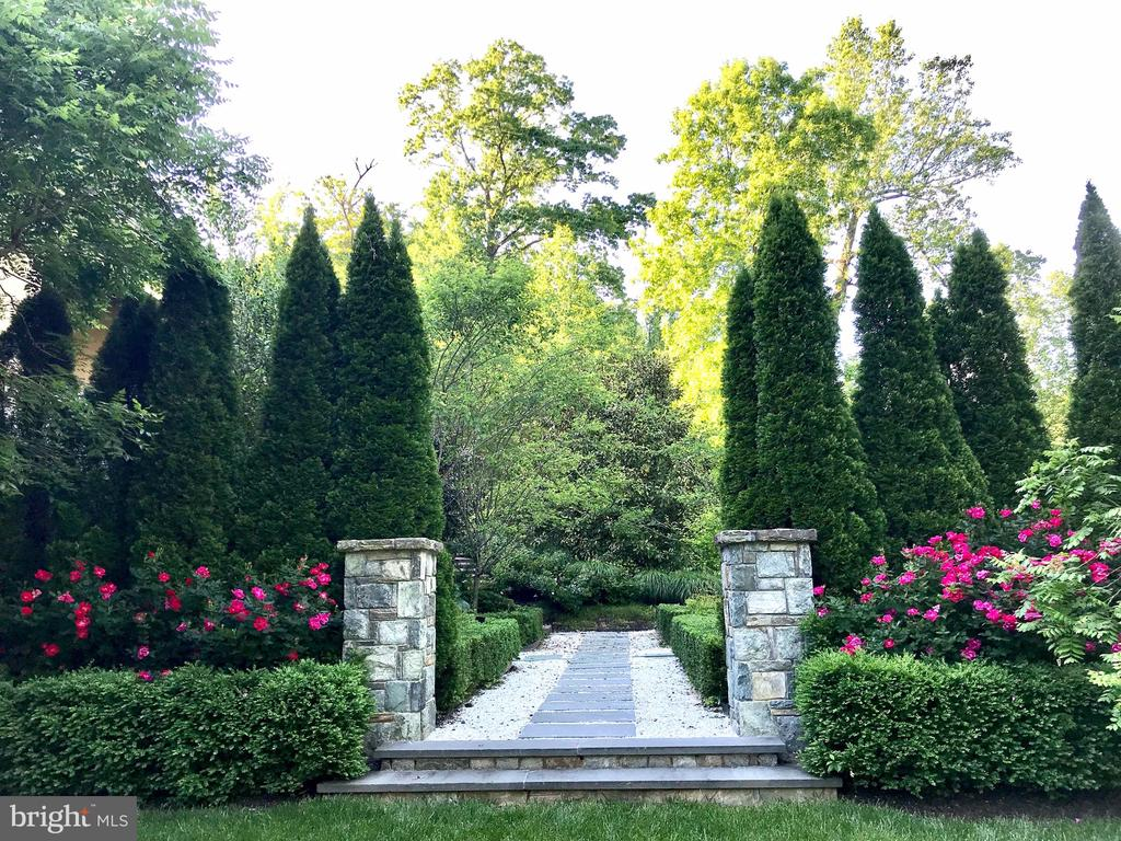 Gardens - 9211 BLACK RIFFLES CT, GREAT FALLS
