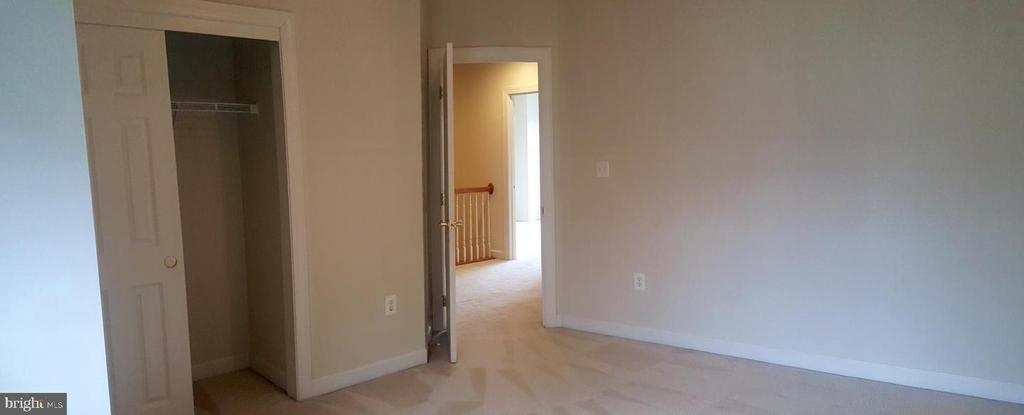 Bedroom #3 - 24905 EARLSFORD DR, CHANTILLY