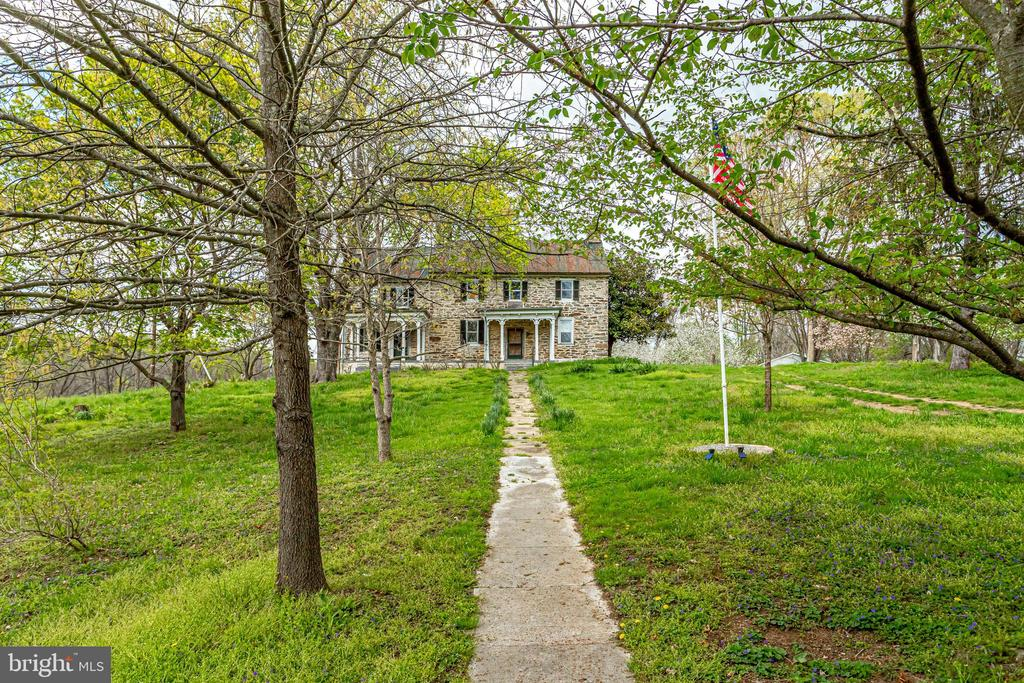 1760 Historic Stone House - 19525 TELEGRAPH SPRINGS RD, PURCELLVILLE