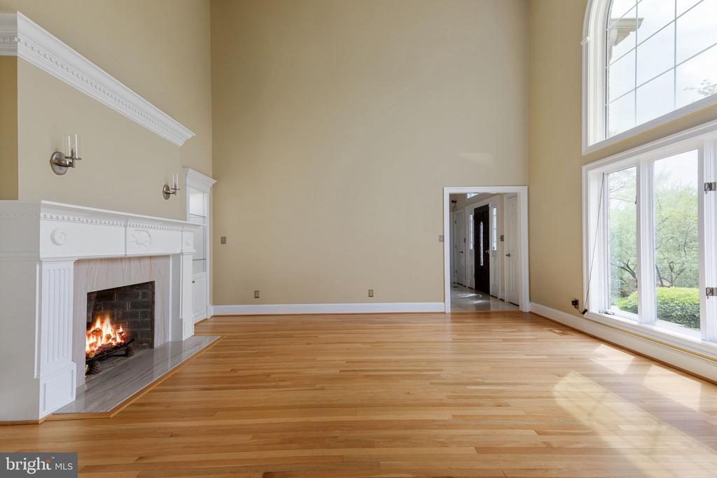 Formal Living Room - 2405 OAKMONT CT, OAKTON