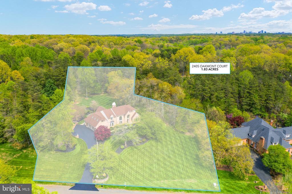 Property outline - 2405 OAKMONT CT, OAKTON