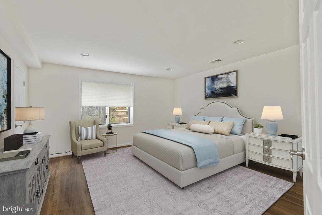 Fifth Bedroom on Lower Level - 2405 OAKMONT CT, OAKTON