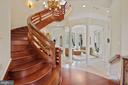 Foyer with grand staircase - 9211 BLACK RIFFLES CT, GREAT FALLS