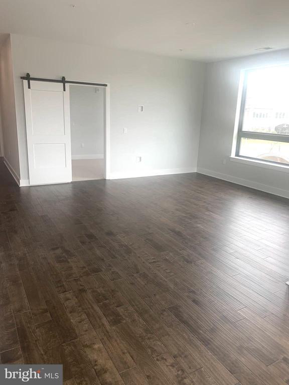 Spacious Living Room - 44691 WELLFLEET DR #304, ASHBURN