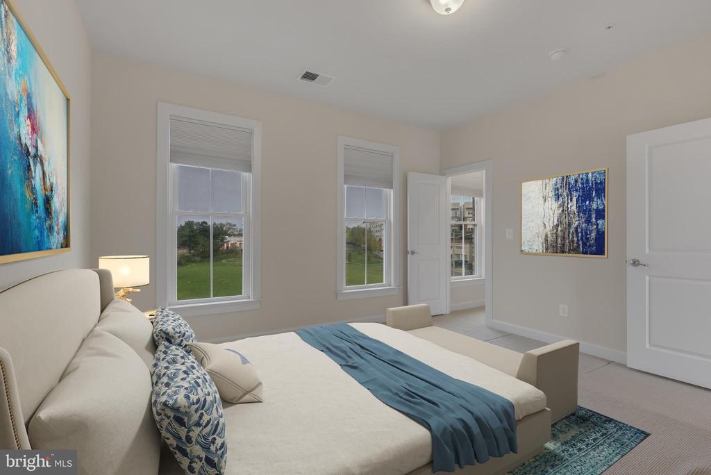 Cheerful top level bedroom - 11357 RIDGELINE RD, FAIRFAX