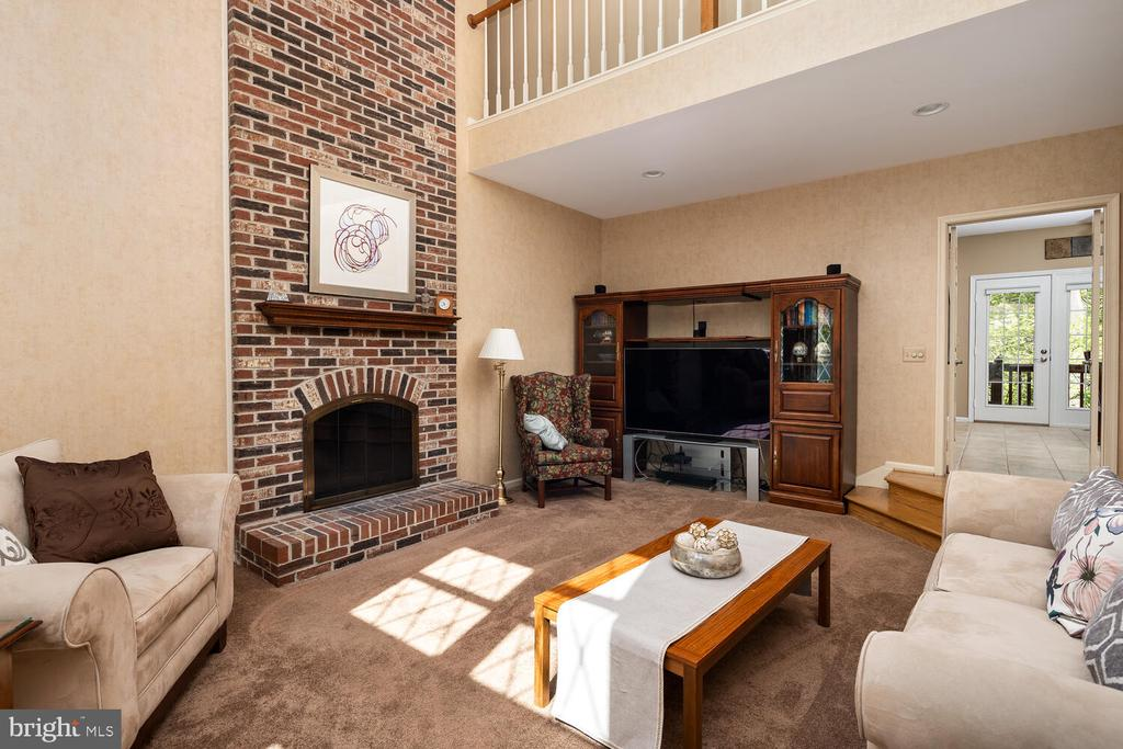 Family Room w/Overlook from Upper Hall - 10654 CANTERBERRY RD, FAIRFAX STATION
