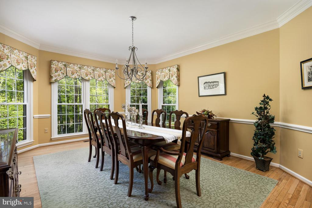 Dining Room with Huge Wall of Window & Views - 10654 CANTERBERRY RD, FAIRFAX STATION
