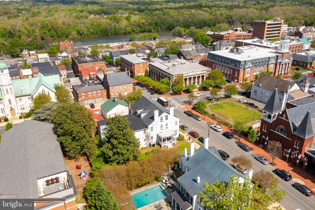 VIEW OF CITY HALL AND COURTHOUSE. - 800 PRINCESS ANNE ST, FREDERICKSBURG