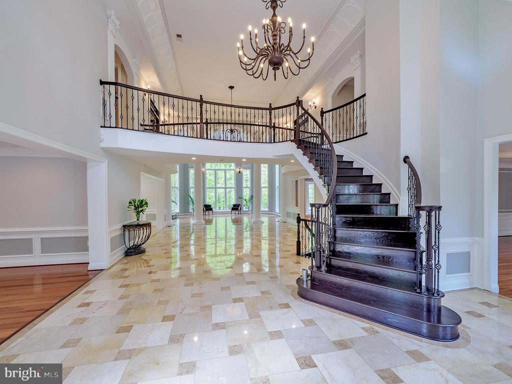 An inviting yet majestic foyer to greet guests - 11009 HAMPTON RD, FAIRFAX STATION