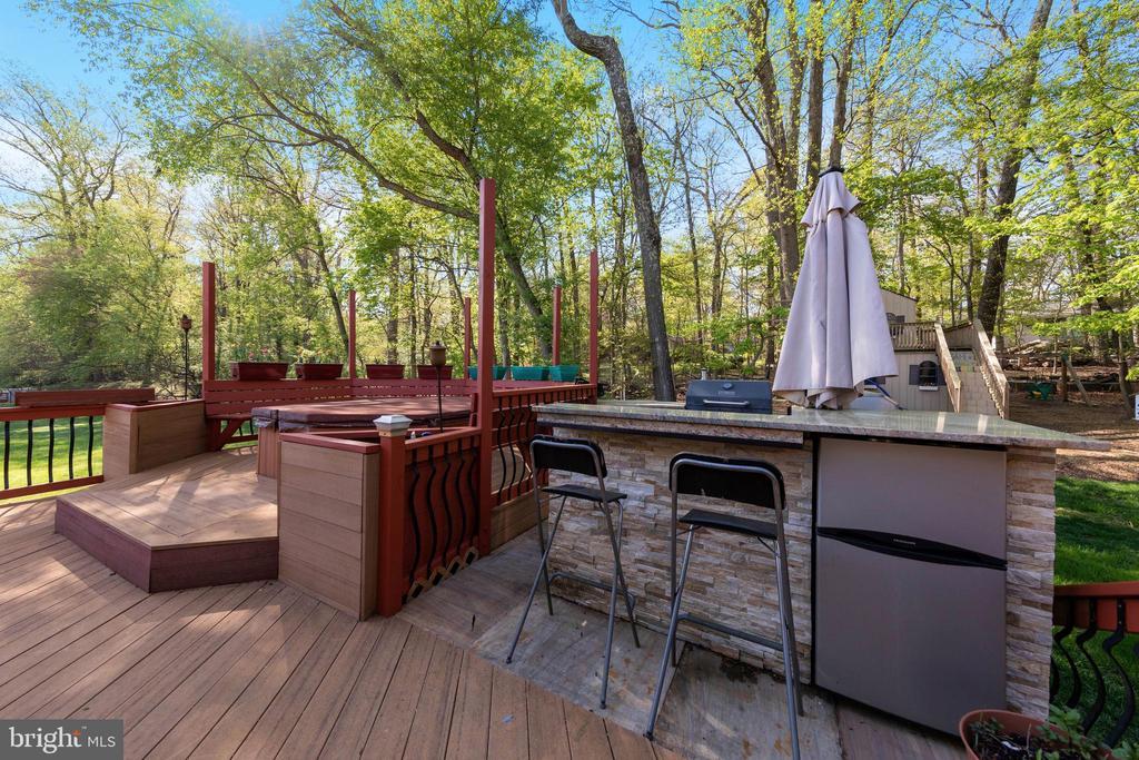 Outdoor Kitchen & Hot Tub - 604 RIDGEWELL WAY, SILVER SPRING
