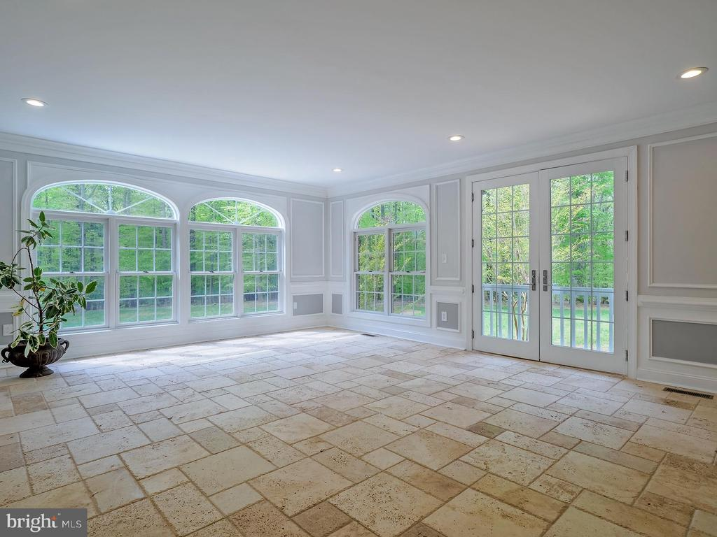 Beautiful conservatory with stone flooring - 11009 HAMPTON RD, FAIRFAX STATION