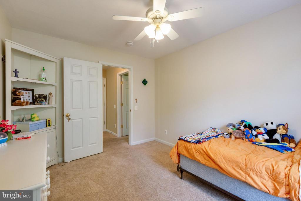 Bedroom 2 - 14917 GLADIOLUS CT, WOODBRIDGE