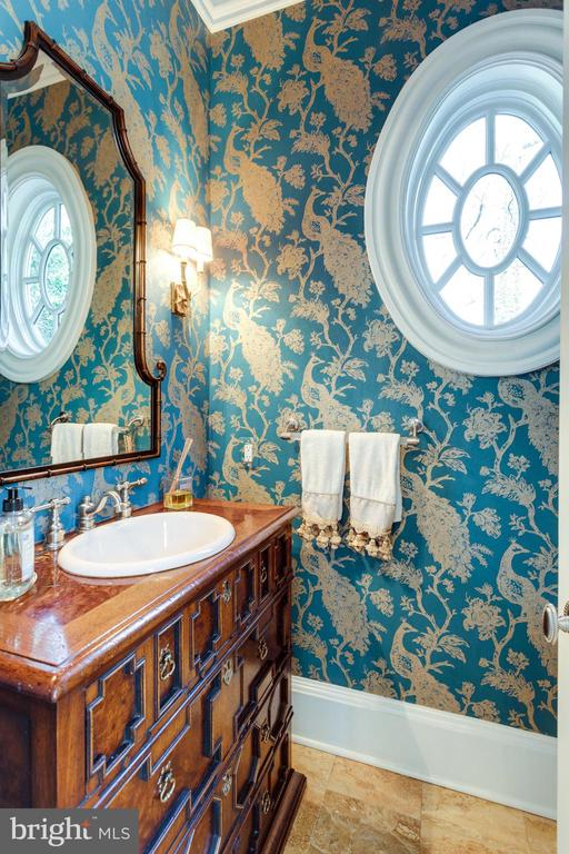 Formal Powder Room - 7301 DULANY DR, MCLEAN