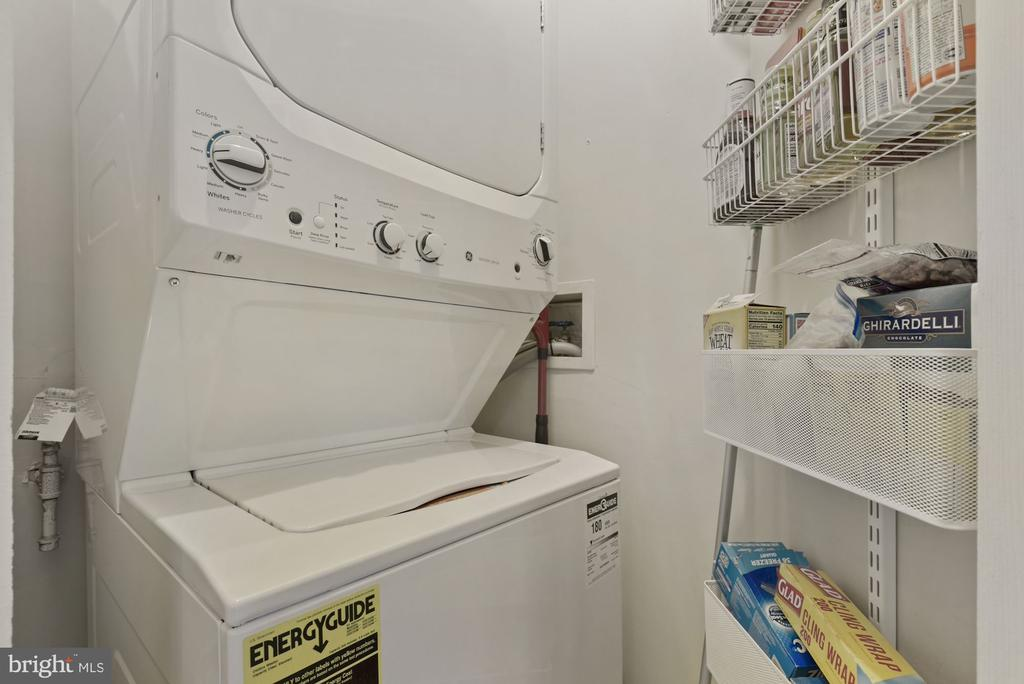 Washer & Dryer in unit - 2310 14TH ST N #206, ARLINGTON