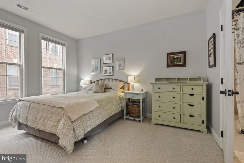 Primary bedroom suite - 2310 14TH ST N #206, ARLINGTON