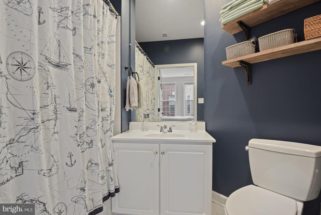 Primary bath - 2310 14TH ST N #206, ARLINGTON