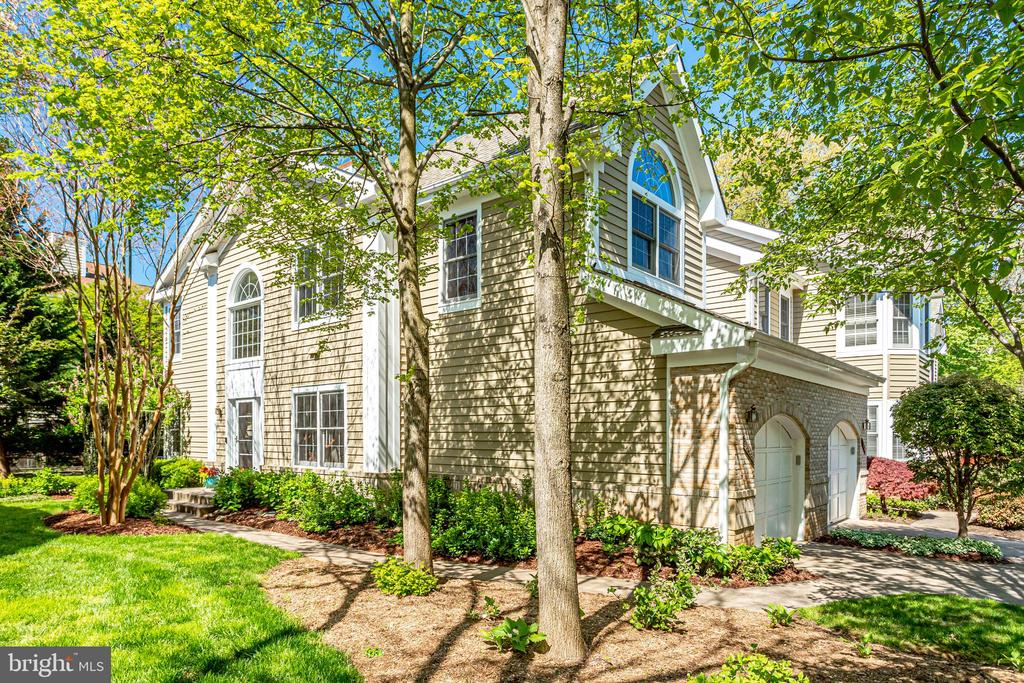 Mature trees and open space. - 1206 WOODBROOK CT, RESTON