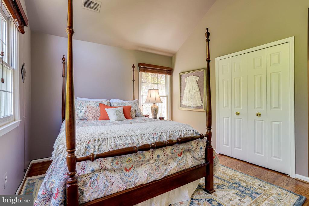 Hardwood in all bedrooms. - 1206 WOODBROOK CT, RESTON