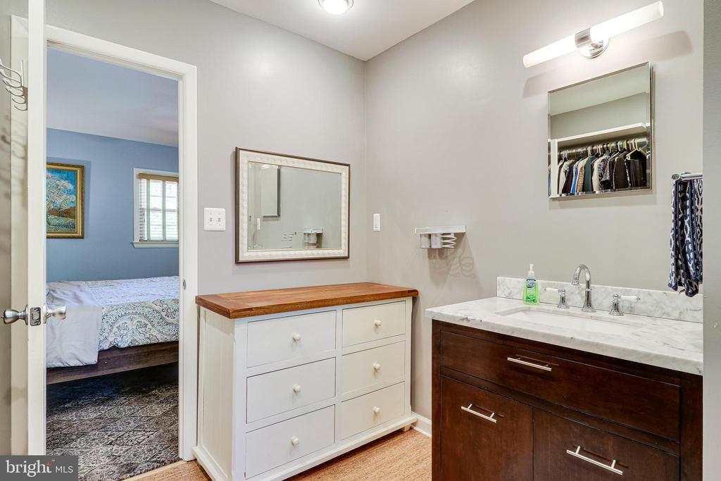 - 2705 WELCOME DR, FALLS CHURCH