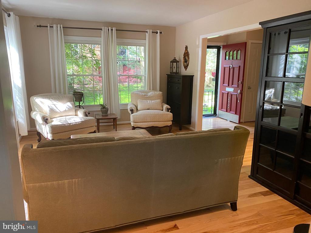 Living Room - 1829 WAINWRIGHT DR, RESTON