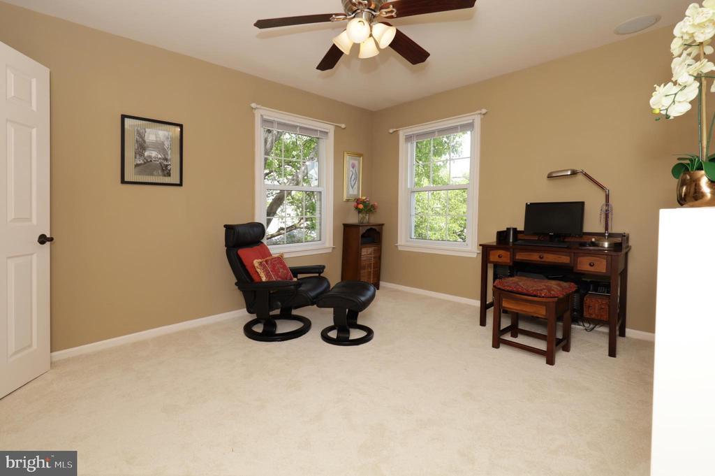 Upper Level Bedroom 2 - 2917 S WOODSTOCK ST #A, ARLINGTON