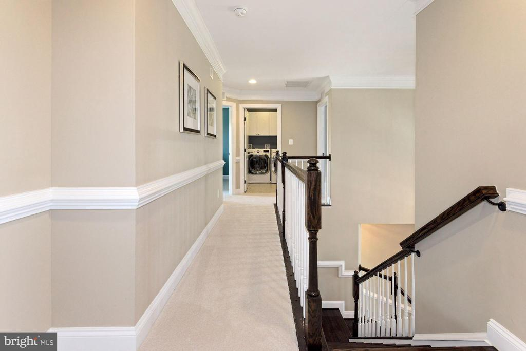 upper level hallway - 24177 STATESBORO PL, ASHBURN