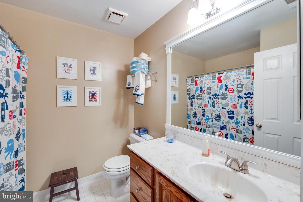 Guest Bathroom - 15971 KENSINGTON PL, DUMFRIES