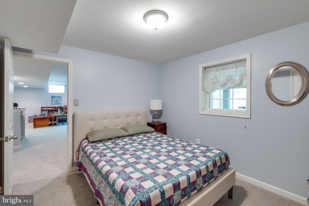 Bedroom 5 - 15971 KENSINGTON PL, DUMFRIES