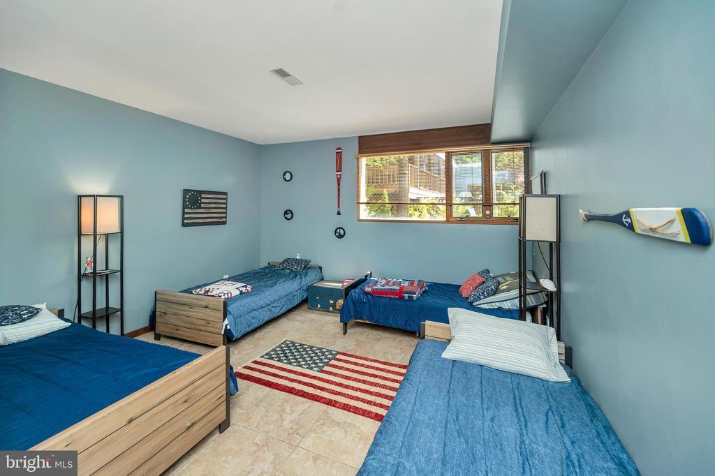 Bedroom #3 - 300 MT PLEASANT DR, LOCUST GROVE
