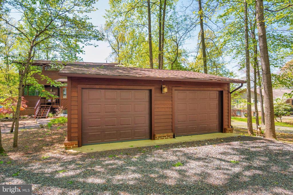 Detached two-car garage - 300 MT PLEASANT DR, LOCUST GROVE