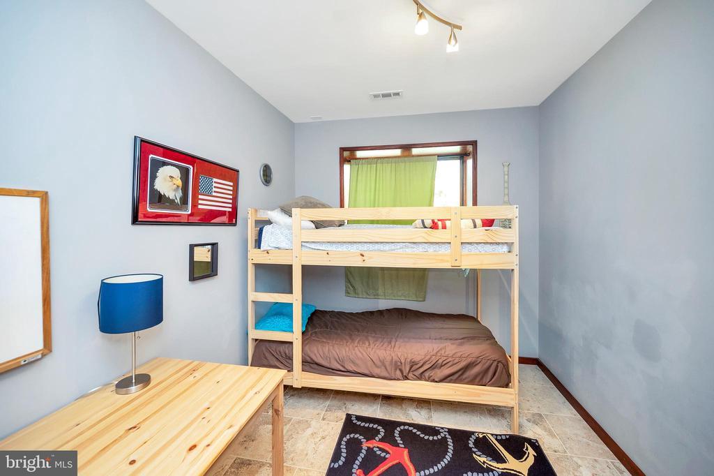 Bedroom #4 - 300 MT PLEASANT DR, LOCUST GROVE
