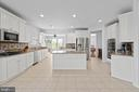Gourmet Kitchen - 42838 DOBSON CT, BROADLANDS