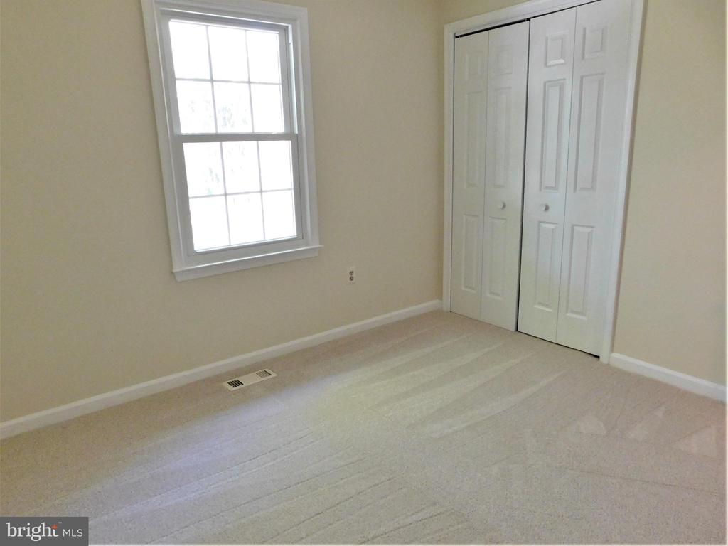 BR 3: Newer upgraded carpet/window & wall closet - 12520 BROWNS FERRY RD, HERNDON