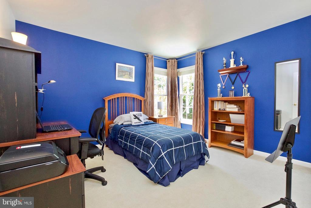 Upstairs Bedroom - 20766 RIVERBIRCH PL, STERLING