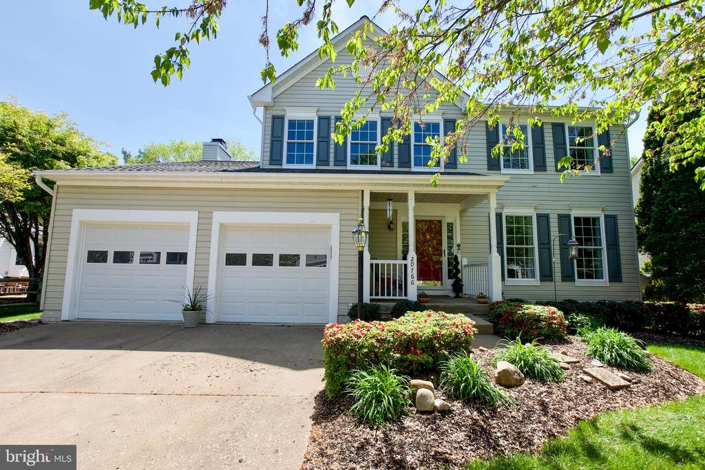 WELCOME HOME! - 20766 RIVERBIRCH PL, STERLING