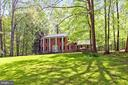 10700 Hampton Road nestled in a wooded wonderland - 10700 HAMPTON RD, FAIRFAX STATION