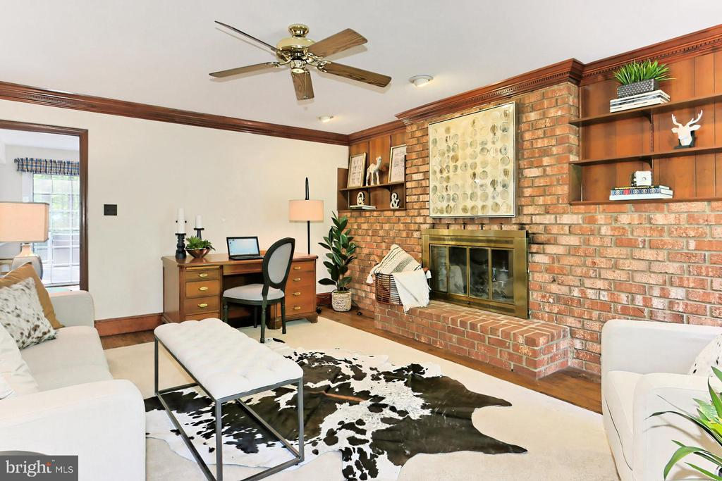 Main Level Family room with Fireplace - 10700 HAMPTON RD, FAIRFAX STATION