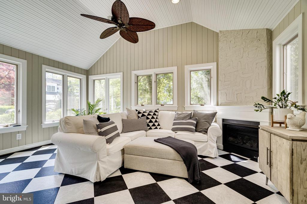 Great year round sun porch with gas fireplace - 2238 MERIDIAN ST, FALLS CHURCH